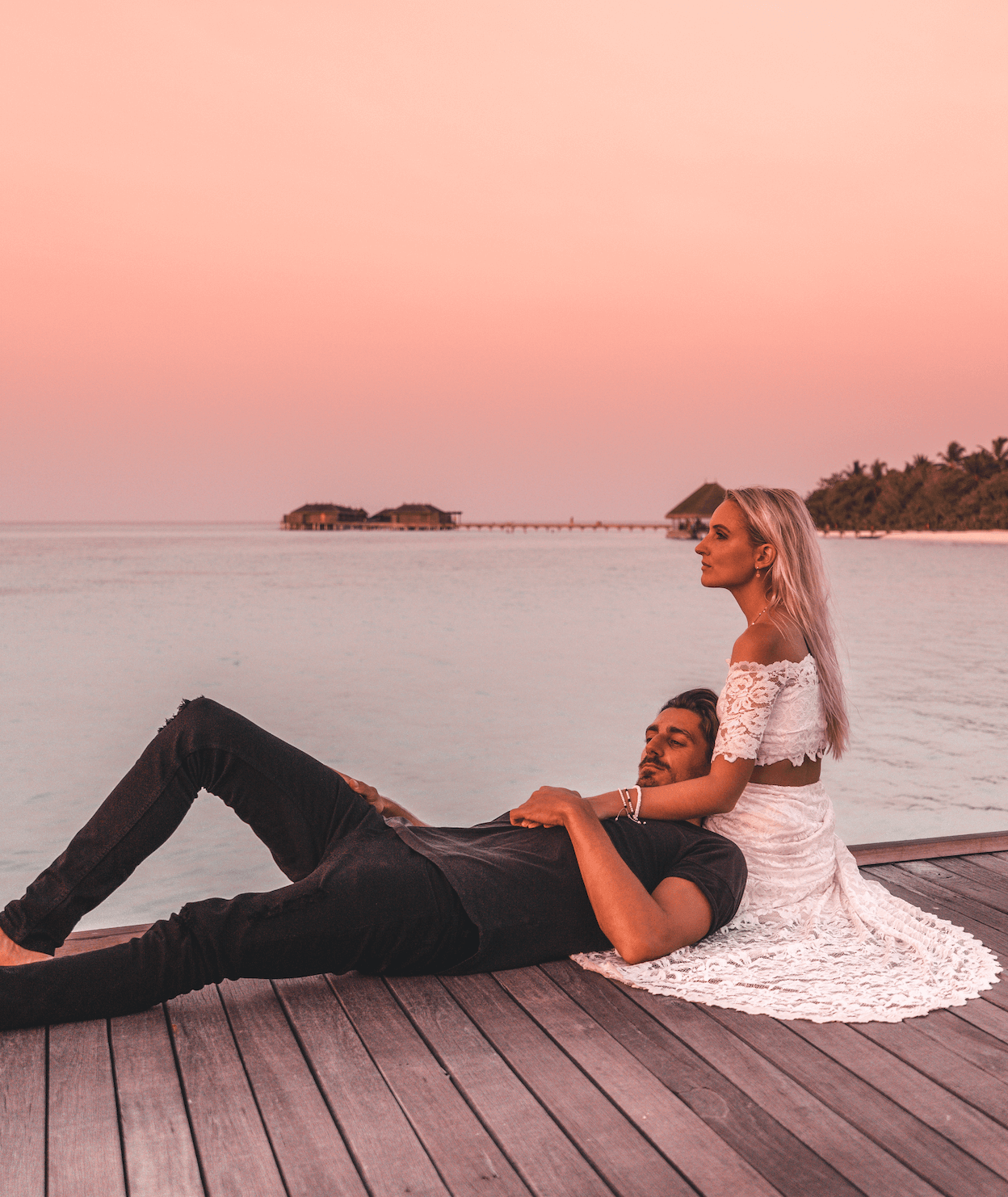 Sunsets at Constance Moofushi
